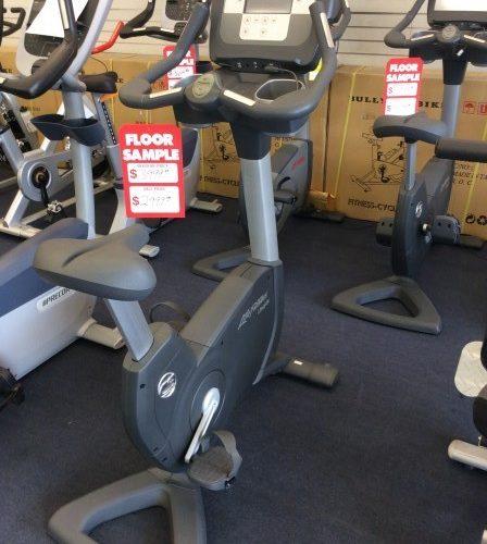 Life Fitness 95c Achieve NEW! Floor Model